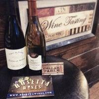 Das Foto wurde bei Rosetta Wines & Spirits von Eric F. am 9/22/2015 aufgenommen