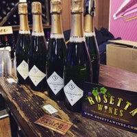 Das Foto wurde bei Rosetta Wines & Spirits von Eric F. am 2/6/2015 aufgenommen