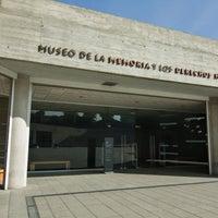 รูปภาพถ่ายที่ Museo de la Memoria y los Derechos Humanos โดย Museo de la Memoria y los Derechos Humanos เมื่อ 5/23/2014