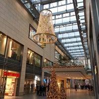 Das Foto wurde bei Altmarkt-Galerie von Dalie am 12/19/2012 aufgenommen