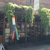 7/8/2013 tarihinde Andy H.ziyaretçi tarafından Perennial Tea Room'de çekilen fotoğraf