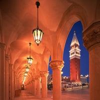 Foto scattata a Venetian Resort & Casino da Venetian Resort & Casino il 5/22/2014