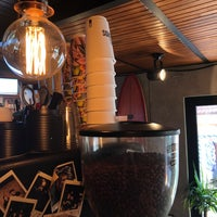 Foto scattata a Surf Coffee da Светлана К. il 10/5/2018