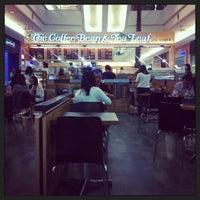 Снимок сделан в The Coffee Bean & Tea Leaf пользователем Yap A. 3/28/2013