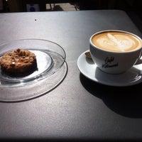 Photo prise au Café Kitsuné par Silvio G. le9/25/2014