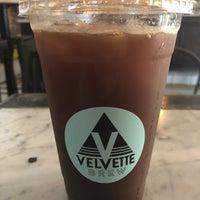 Photo prise au Velvette Brew par Scott Kleinberg le10/30/2018