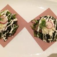 Foto diambil di Cinco Cocina Urbana oleh Bernardo J. pada 4/23/2014