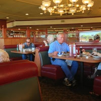 8/16/2013에 Ralph A.님이 Keno's Restaurant에서 찍은 사진