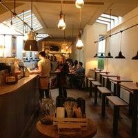 Foto scattata a TAP Coffee No. 193 da Stephy B. il 12/18/2012