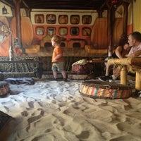 Foto tirada no(a) Ambiente Africa por Ryan D. em 8/1/2012