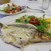 รูปภาพถ่ายที่ Ψαροταβερνα Κουκλις / Kouklis Restaurant โดย Irina R. เมื่อ 6/8/2015