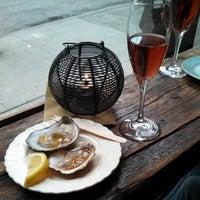 Foto scattata a Kaia Wine Bar da Malcolm C. il 3/15/2013