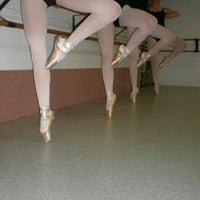 Foto tirada no(a) Silver Spring Dance Conservatory por Joanne W. em 1/2/2013