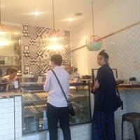 รูปภาพถ่ายที่ Brigadeiro Bakery โดย Tristen E. เมื่อ 5/25/2015