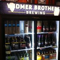 3/3/2013 tarihinde Felix A.ziyaretçi tarafından Widmer Brothers Brewing Company'de çekilen fotoğraf