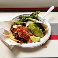 Foto diambil di Los Tacos No.1 oleh Daniel P. pada 6/11/2013