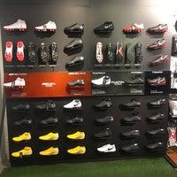referir Desaparecido tubo  Nike Store - Russafa - Valencia, Comunidad Valenciana