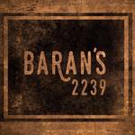 รูปภาพถ่ายที่ Baran's 2239 โดย Yext Y. เมื่อ 3/28/2016