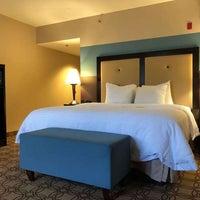 Photo prise au Hampton Inn & Suites Charlotte Airport par Yext Y. le6/16/2019