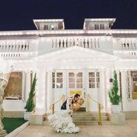 Снимок сделан в Anaheim White House Restaurant пользователем Yext Y. 8/9/2018