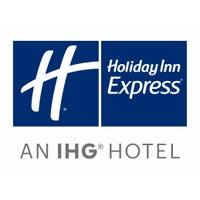 Снимок сделан в Holiday Inn Express & Suites Santa Clarita пользователем Yext Y. 6/1/2017