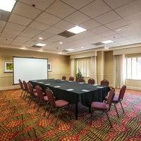 Foto diambil di Hilton Garden Inn oleh Yext Y. pada 10/28/2019