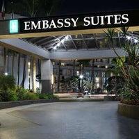 Foto scattata a Embassy Suites by Hilton da Yext Y. il 11/4/2019