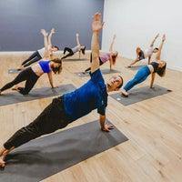 Foto tirada no(a) Sender One Climbing, Yoga and Fitness por Yext Y. em 9/20/2018