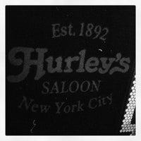 Foto tirada no(a) Hurley's Saloon por Randolph H. em 12/29/2012