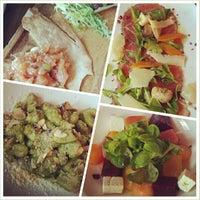 Снимок сделан в Cucina Asellina пользователем Jonathan T. 7/19/2013