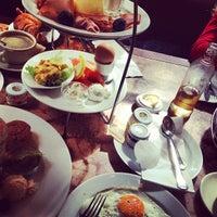 Das Foto wurde bei Café Einstein Stammhaus von Matas am 8/11/2013 aufgenommen