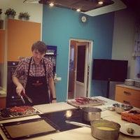 Foto diambil di Кулинарная студия Mandarin gourmet oleh Angry D. pada 5/11/2013