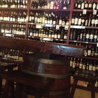 Photo prise au El Carajo Tapas and Wine par Marlene D. le9/16/2012