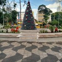 Das Foto wurde bei Praça Cornélia von Luciana W. am 12/6/2014 aufgenommen