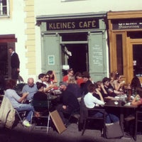 Foto tirada no(a) Kleines Café por Karl G. em 10/5/2012