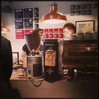 Photo prise au Brew Lab Coffee par Joyce V. le11/9/2014