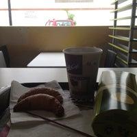 Foto tomada en McDonald's por Manolo V. el 11/21/2012