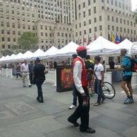 Снимок сделан в Rockefeller Center Farmers Market пользователем Susan R. 8/7/2013