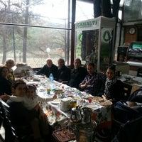 รูปภาพถ่ายที่ Çamaltı Restaurant โดย Tolga T. เมื่อ 1/20/2013