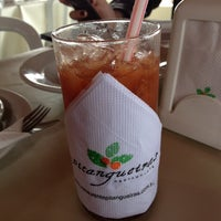 Foto scattata a Pitangueiras Restaurante da Leonardo S. il 10/26/2012