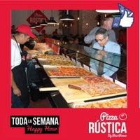 8/5/2014에 Pizza Rustica님이 Pizza Rustica에서 찍은 사진