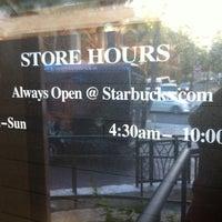 Foto tomada en Starbucks por Ga young el 4/18/2013