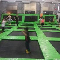 Foto tirada no(a) Jump Mania por Andressa V. em 7/10/2014
