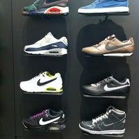 Das Foto wurde bei Nike Store von Manuel T. am 3/23/2012 aufgenommen