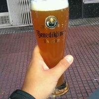Foto tomada en La Casa de la Cerveza por Francisco C. el 7/13/2013