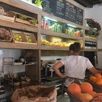 Foto scattata a Escosazio   Juice Bar da Milam M. il 7/16/2017