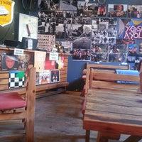 รูปภาพถ่ายที่ Social Pub โดย Aykut Y. เมื่อ 7/5/2013