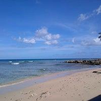 4/19/2014에 KN R.님이 Errol Barrow Beach에서 찍은 사진