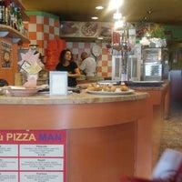 Foto scattata a Pizza Man da Melissa B. il 9/4/2018