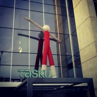 Снимок сделан в Tasku Keskus пользователем Marija K. 5/10/2013